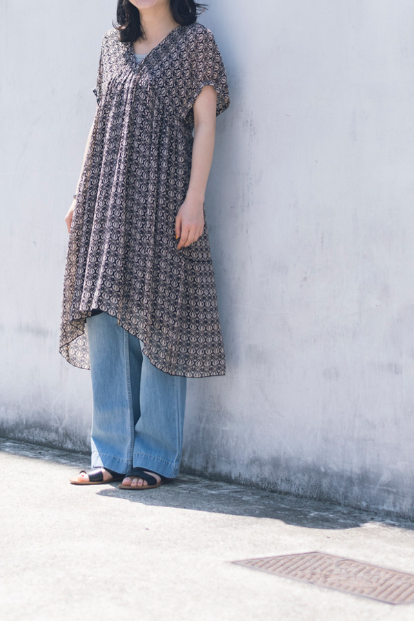 SOIL 別注GATHER SLEEVE PINTUCK DRESS